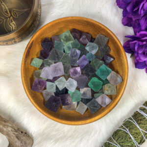 Fluorite Tetrahedron Small Tumble Single/5-Pack
