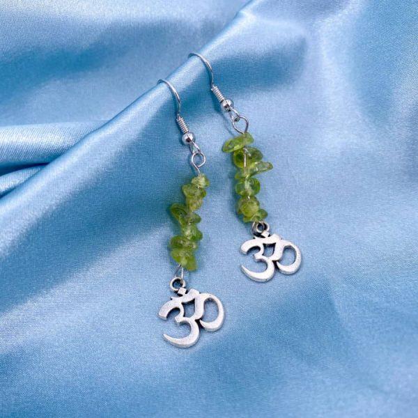 Peridot Chip Om Silver Earrings-w900-h900