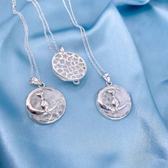 Quartz Crescent Moon Cat Circle Silver Pendant1 W900 H900